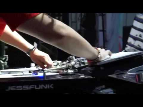 DJ AM (Extracted from Electric Daisy Carnival Movie) #EDC #REALDJING