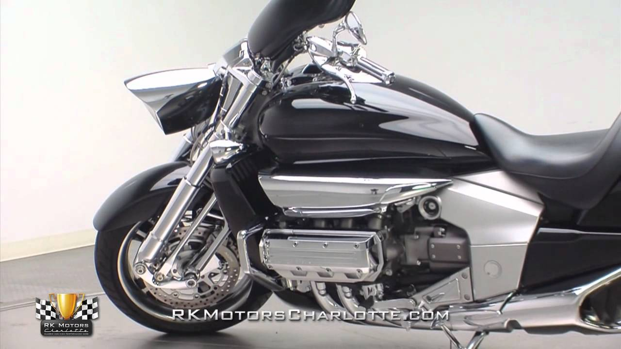 132929 / 2004 Honda Valkyrie Rune - YouTube