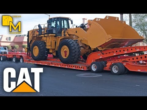 MOVING GIANT CATERPILLAR 988K FROM CONEXPO LAS VEGAS / WHEEL LOADER OVERSIZE LOAD