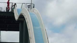 高さ17mから滑り落ちるフリーフォールスライド 詳しいレポはこちら♪ ht...