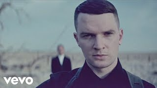 Watch music video: Hurts - Somebody To Die For