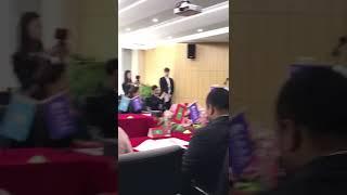 雲聯惠董事長黃明給22國外交官大使們講解雲聯惠 thumbnail