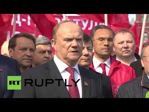 Russia: Zyuganov leads communists in tribute to Yuri Gagarin for Cosmonautics Day