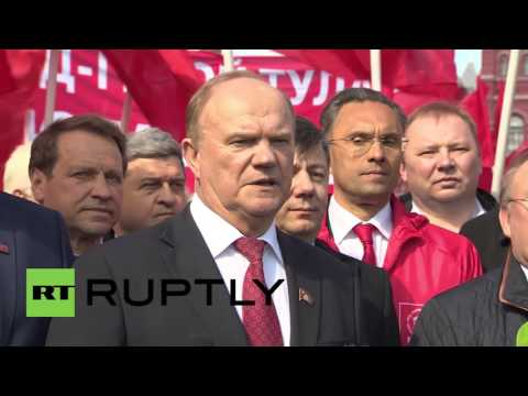 Russia: Zyuganov leads communists in tribute to Yuri Gagarin for Cosmonautics Day