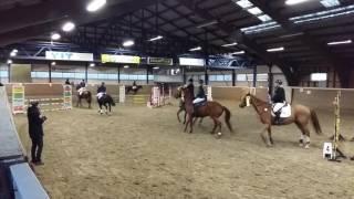 Emilie og Cæsar i æresrunden til 80 cm hest i vintercupen Drammen 20/11-16. Delt 3 plass😀