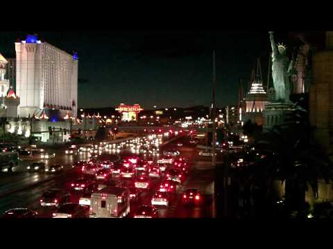27-Hi-D_LAS VEGAS DOWNTOWN - BIG PARTY TOWN AND CITY POPULATION OF 2.2 MILLION