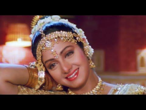 Chand Ka Tukda - Aaj Radha Ko Shyam Yaad...