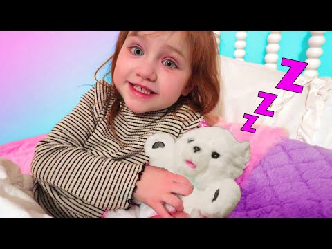 New Animal ZOO Routine!! Doctor Adley meets Snowbell and helps do her pet check up then night time!