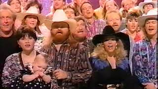 Tracy Lawrence  Give The Fans A Hand