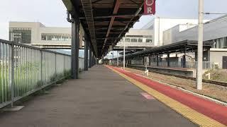 仁山へと登って行く森行きワンマン列車