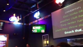 Video Smack That karaoke at Buffalo Wild Wings download MP3, 3GP, MP4, WEBM, AVI, FLV Maret 2018