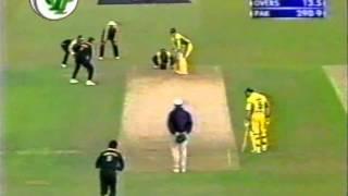 Saqlain Majic deliveries v Australia 2001