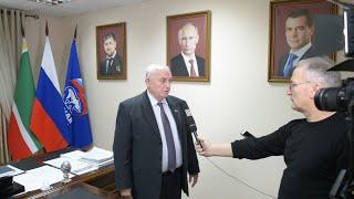 Смотреть видео Своим мнением о послании президента России делятся депутаты представители власти и общественности ЧР онлайн