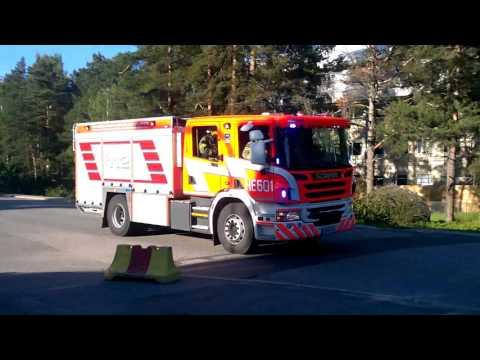 Helsinki 601 pumper Fire Response Hälytysajossa