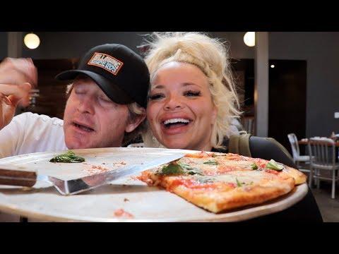 EATING THE BEST PIZZA IN SANTA BARBARA! (boyfriend mukbang)