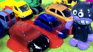 アンパンマン おもちゃ はたらくくるま スライムでトミカの建設車両にバイキンマンがイタズラ⭐ショベルカー ブルドーザー クレーン ミキサー車 トラック 重機搬送車❤️子供向け アニメ thumbnail