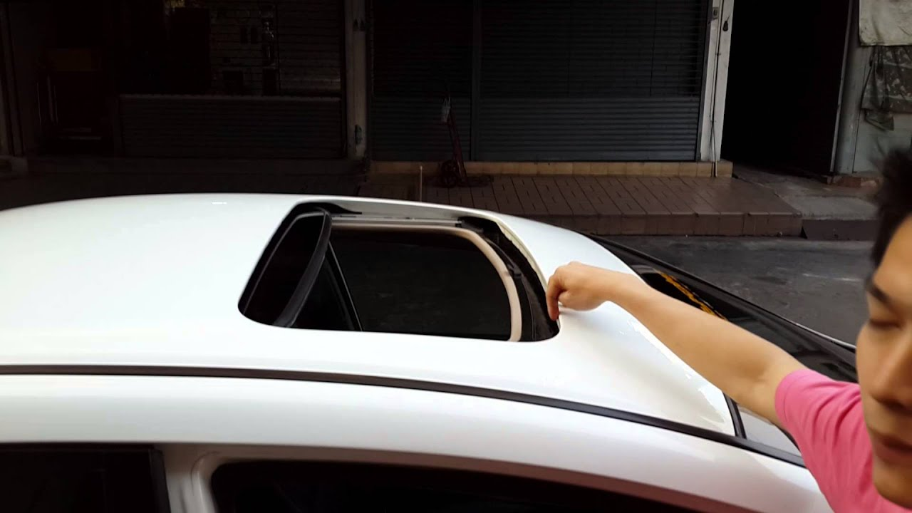 Moonroof Honda Civic FD By Sunroof salon 0810073326 - YouTube