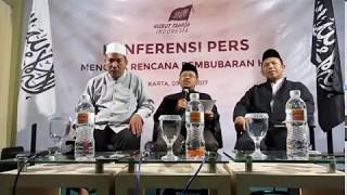 konferensi pers menolak rencana pembubaran HTI hizbut tahrir indonesia