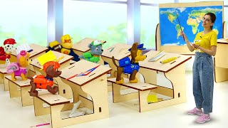Игрушки Щенячий Патруль вшколе! —Учительница кукла Тереза опоздала на урок! —Видео для детей