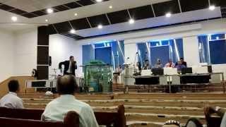 Este Mundo esta LOCO, Completamente LOCO, Pastor Rubiel Tabares.