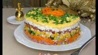 Салат с ветчиной, морковкой, огурцом, кукурузой, сыром и фасолью рецепт #Shorts