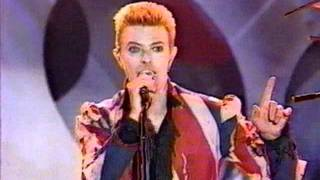 David Bowie '96 Fashion Awards-Fashion.