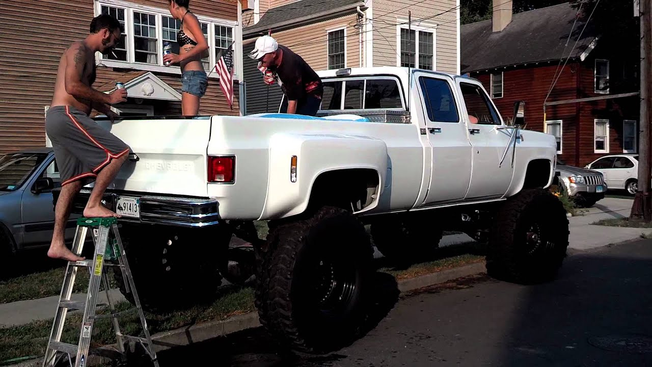 Pickup Truck Bed >> Huge Redneck Chevy Hot-Tub truck in Connecticut July 4th ...