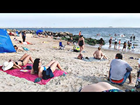 【4K】Walking NEW YORK CITY summer beach tour at Manhattan Beach Brooklyn Part 2