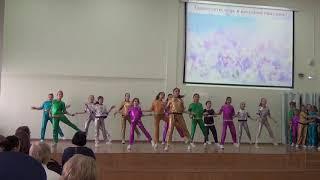 Танец под песню Open Kids '' Хулиганить '' .