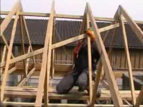 видео: Монтаж деревянных конструкций