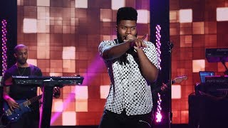 Khalid Performs 'Young, Dumb, and Broke'