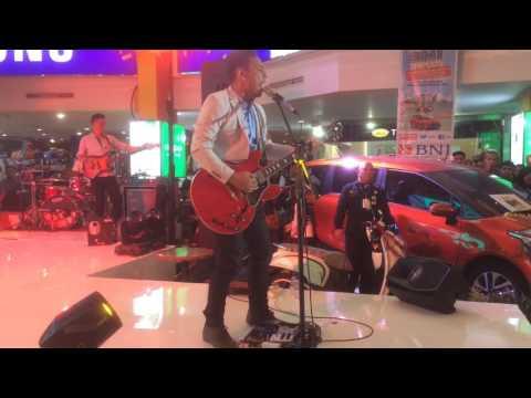 Aku Lelakimu live at Palembang Trade Center - Pongki Barata