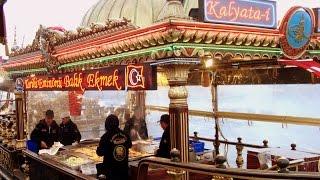Istanbul street food culture : Historical Fish Bread in Eminönü