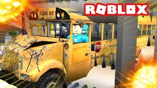 WE CRUSHED A GIANT BUS IN ROBLOX! | MicroGuardian