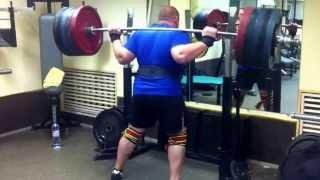 Приседания со штангой 255 кг Владимир Сосюк.