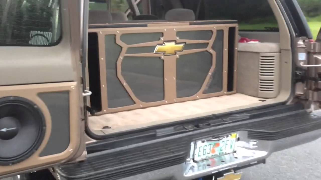 & Crescendo Barn Doors on 96 Burban almost done - YouTube