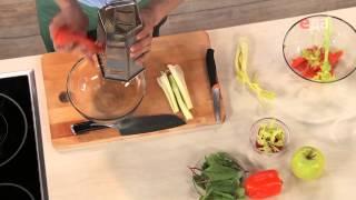 Судак в панировке с легким салатом