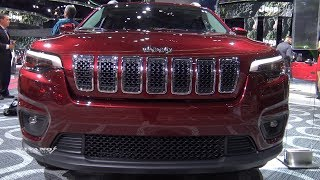 2019 Jeep Cherokee Latitude - Exterior And Interior Walkaround - 2018 Detroit Auto Show
