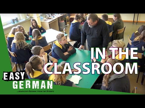 Typical classroom scenes in German | Super Easy German (19)