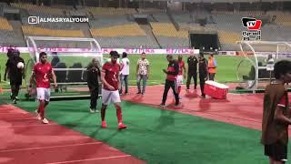 تحية الجماهير للاعبي الأهلي بعد رباعية «اطلع برة» في دوري أبطال أفريقيا