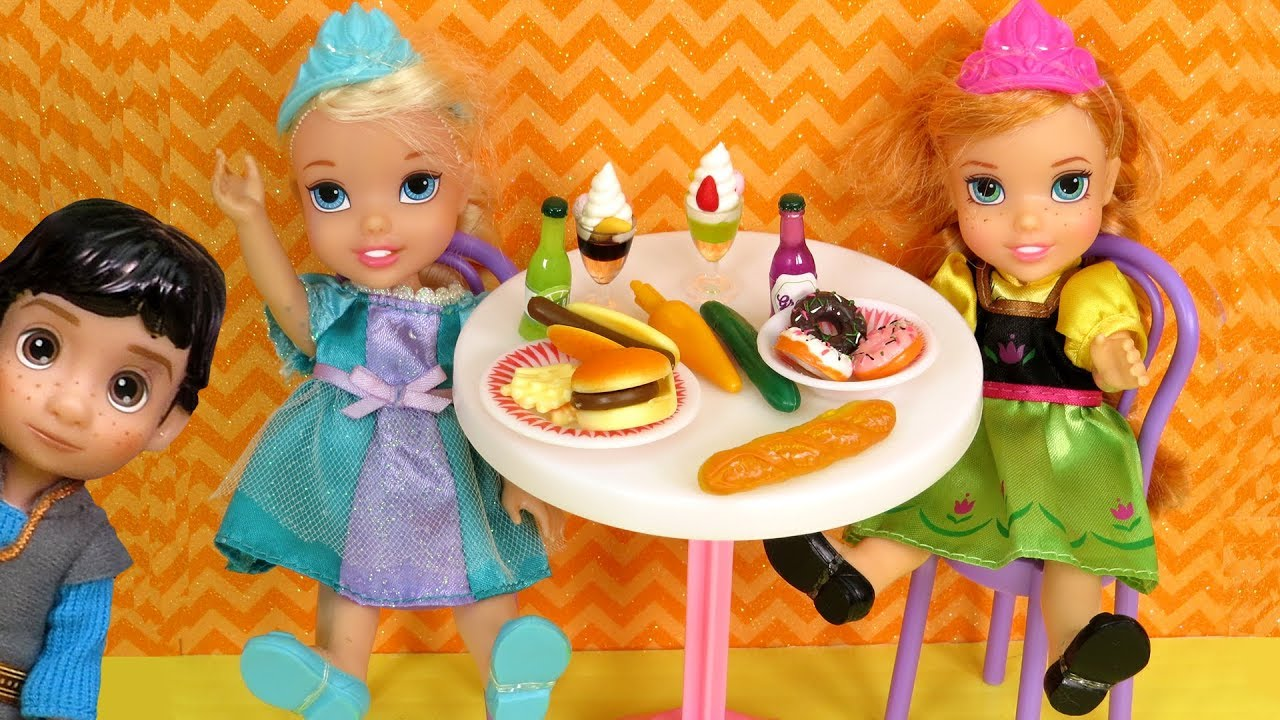 Download CAFETERIA ! Elsa and Anna toddlers - lunch - Barbie