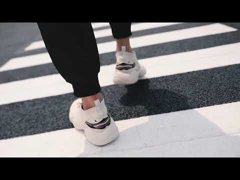 2019 새로운 성격 상어 입 코코넛 신발 남성 신발 플라이 짠 메쉬 세트 발 양말 신발 스포츠 신발 조수 신발