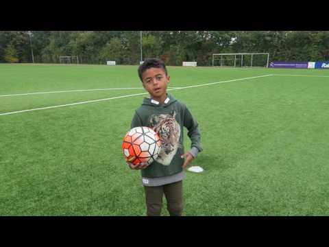 Komische Bälle Challenge vs. Daniel Didavi | VfL Wolfsburg | Fun-Challenge | Kickbox from YouTube · Duration:  5 minutes