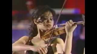 Vanessa-Mae plays Toccata & Fugue