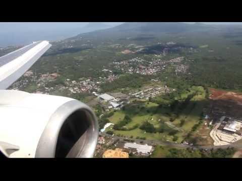 Garuda Indonesia Boeing 737-500 Landing at Sam Ratulangi Airport in Manado