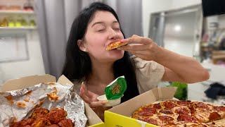 PIZZA & WINGS MUKBANG AFTER CRYING ALL DAY   EAT WITH ME