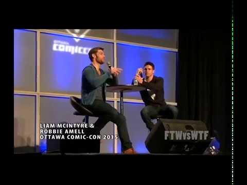 The Flash  Liam McIntyre & Robbie Amell  Ottawa ComicCon 2015