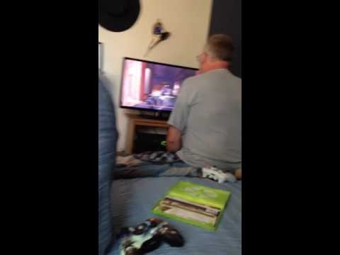 Pop loves his call of duty