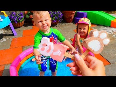 Эльвира и братик КУПИЛИ ИГРУШКИ И ИГРАЮТ НА ПЛОЩАДКЕ для детей