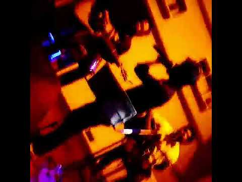 Live acoustic session in Londoner bistro n pub( gk 1)